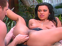 Nikita Denise gets analled in the garden